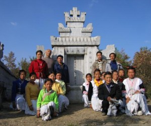 Miao believers at Samuel Pollard's grave in Shimenkan. *Shimenkan in Weining County, Guizhou, and Sapushan in Wuding County, Yunnan, are the two most important places in Miao Christian history. British Methodist missionary Samuel Pollard brought the gospel to the Miao of Zhaotong and Shimenkan, while Arthur Nichols of the China Inland Mission worked among the Miao of Sapushan.